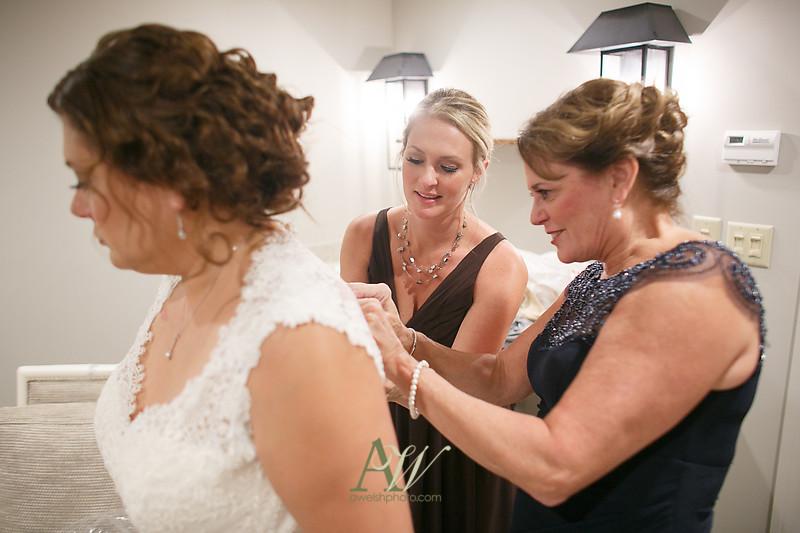 lisa-brandon-bristol-harbor-resort-fall-wedding15
