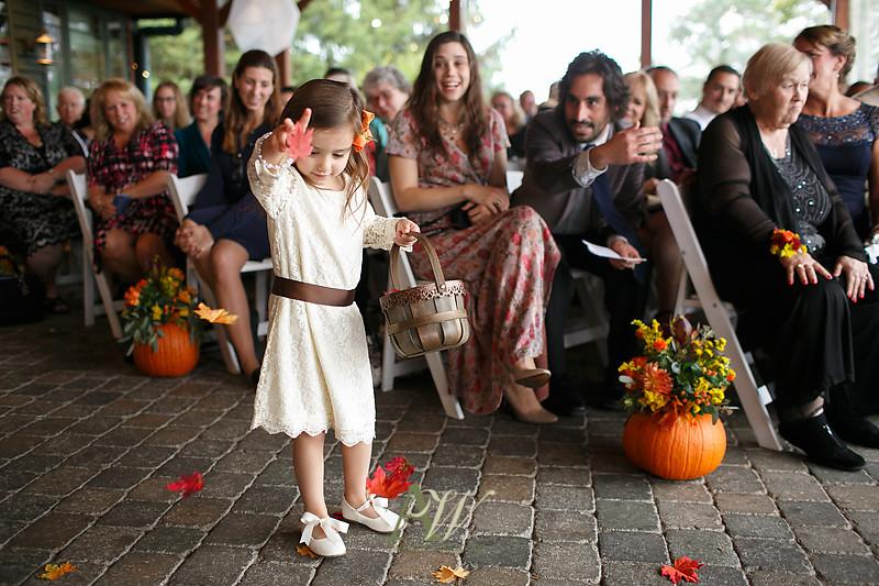 lisa-brandon-bristol-harbor-resort-fall-wedding17