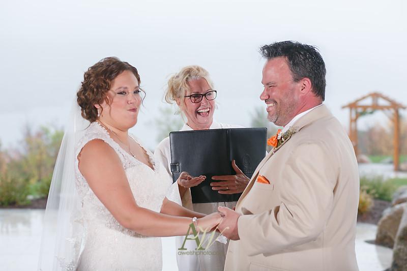 lisa-brandon-bristol-harbor-resort-fall-wedding25