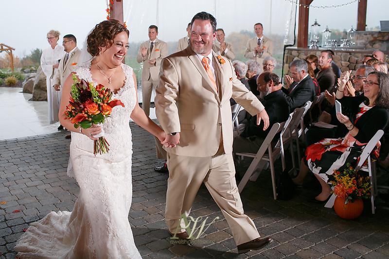 lisa-brandon-bristol-harbor-resort-fall-wedding26
