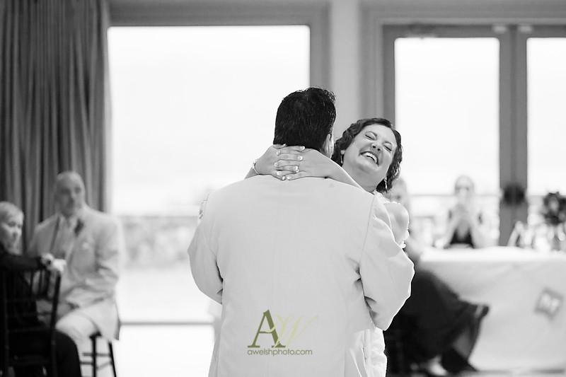 lisa-brandon-bristol-harbor-resort-fall-wedding31