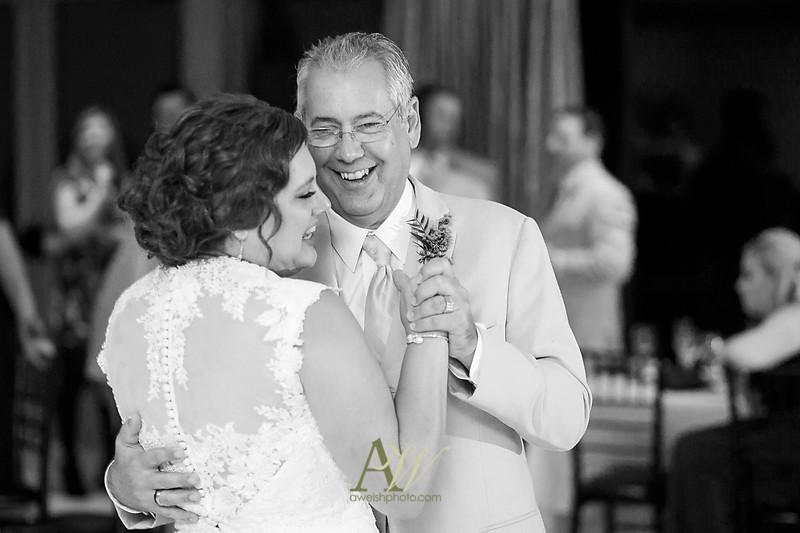 lisa-brandon-bristol-harbor-resort-fall-wedding38