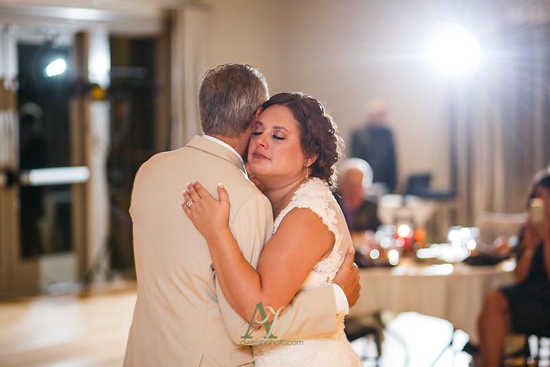 lisa-brandon-bristol-harbor-resort-fall-wedding39