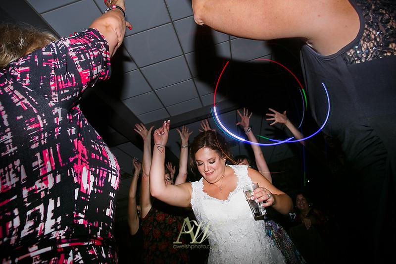 lisa-brandon-bristol-harbor-resort-fall-wedding51