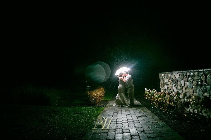 lisa-brandon-bristol-harbor-resort-fall-wedding53