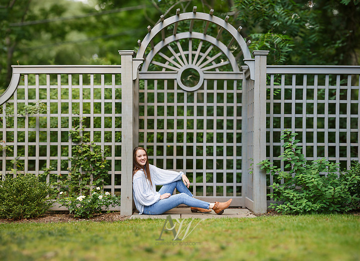 morgan-penfield-senior-portraits-rochester03.jpg