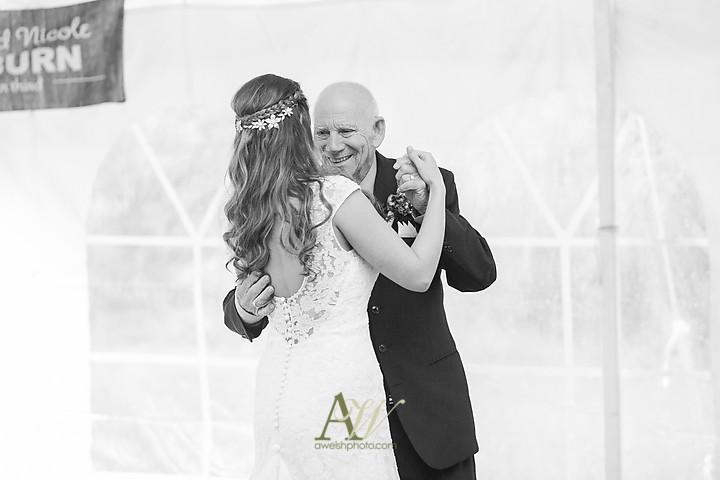 Nicole-Ryan-Palmyra-NY-Barn-Wedding-Rochester33.jpg