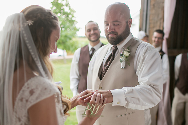 Nicole-Ryan-Palmyra-NY-Barn-Wedding-Rochester16.jpg