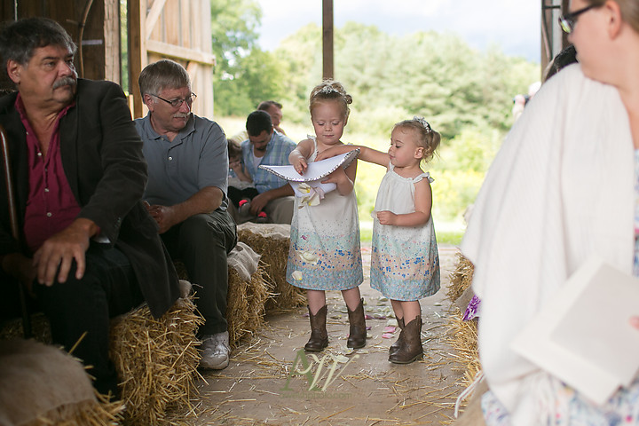 Nicole-Ryan-Palmyra-NY-Barn-Wedding-Rochester11.jpg