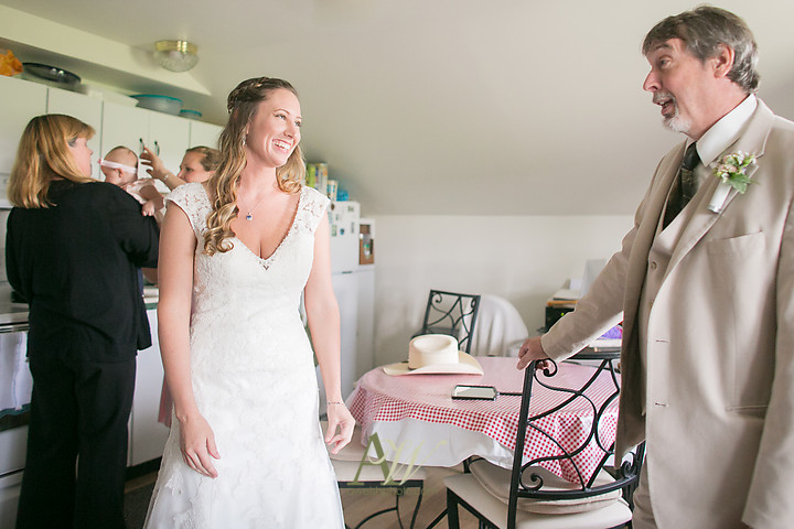 Nicole-Ryan-Palmyra-NY-Barn-Wedding-Rochester08.jpg