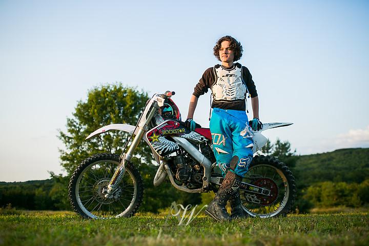 jack-pittsford-mendon-high-school-senior-portrait-dirtbike-rochester06.jpg