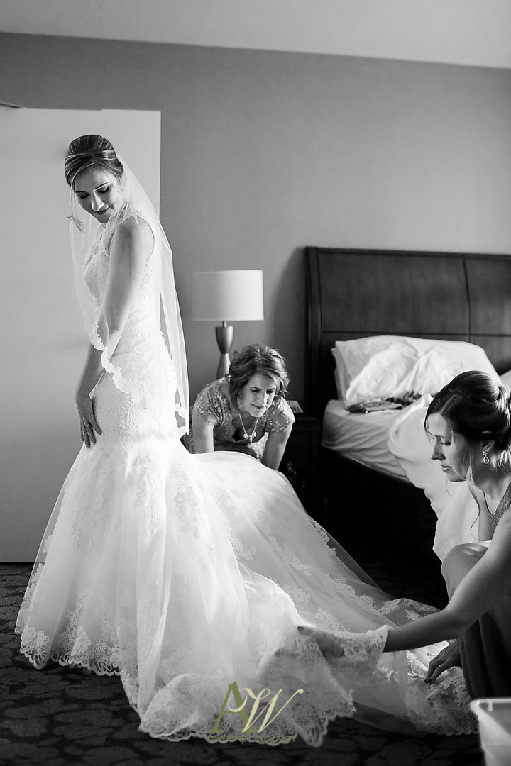 lisa-zach-harro-east-rochester-NY-wedding02.jpg