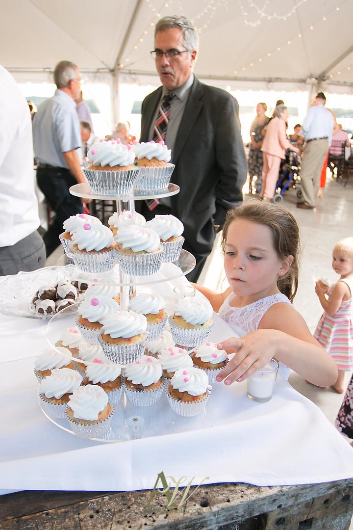 alicia-tim-canandaigua-country-club-wedding32.jpg