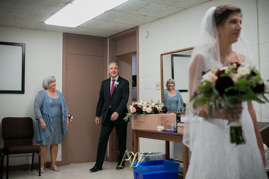 kelsey-ryan-finger-lakes-wedding10.jpg