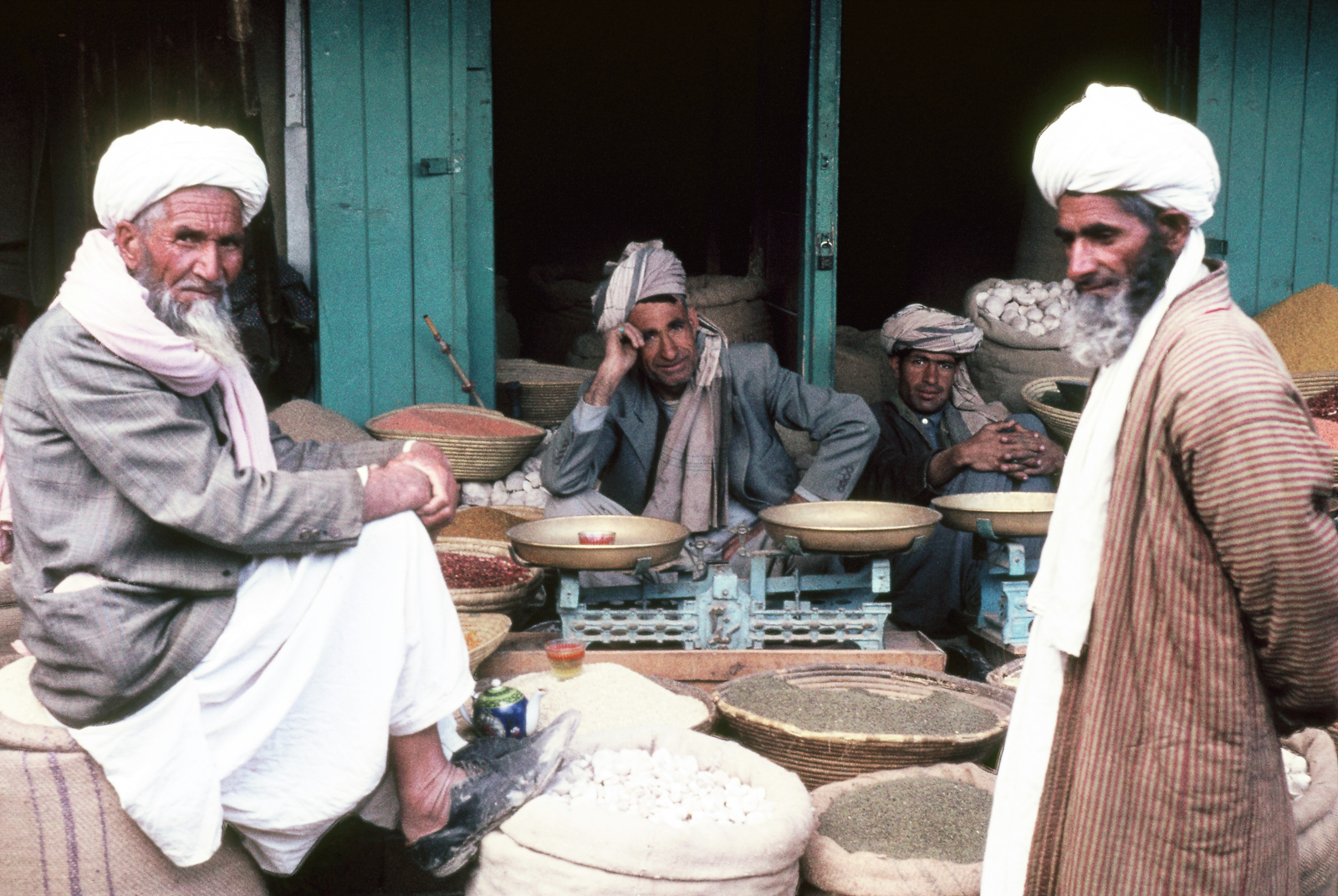 A032351-R1-14-15_Männer Bazar-14.jpg