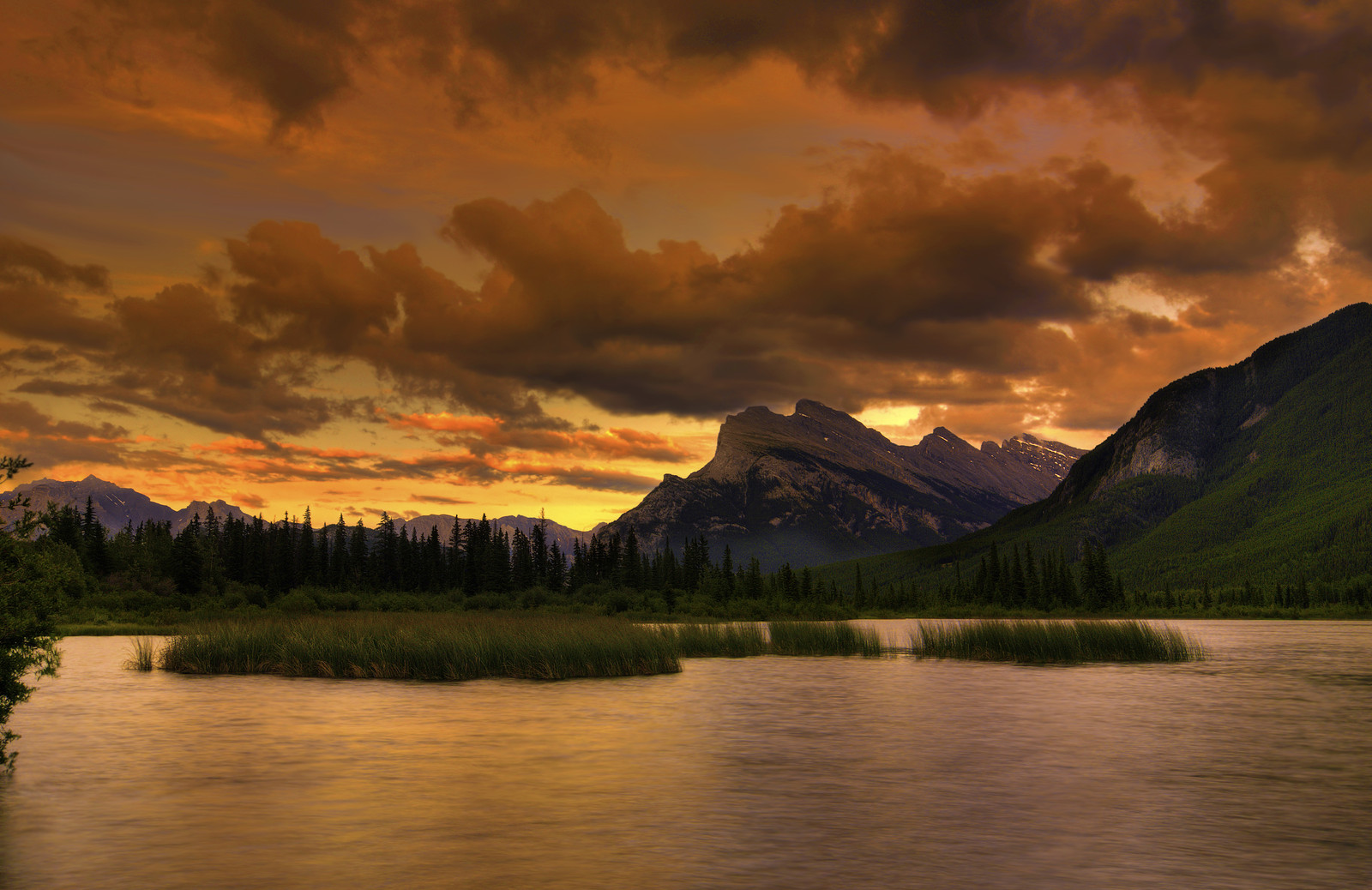 Sunset during a hiking tour in Banff