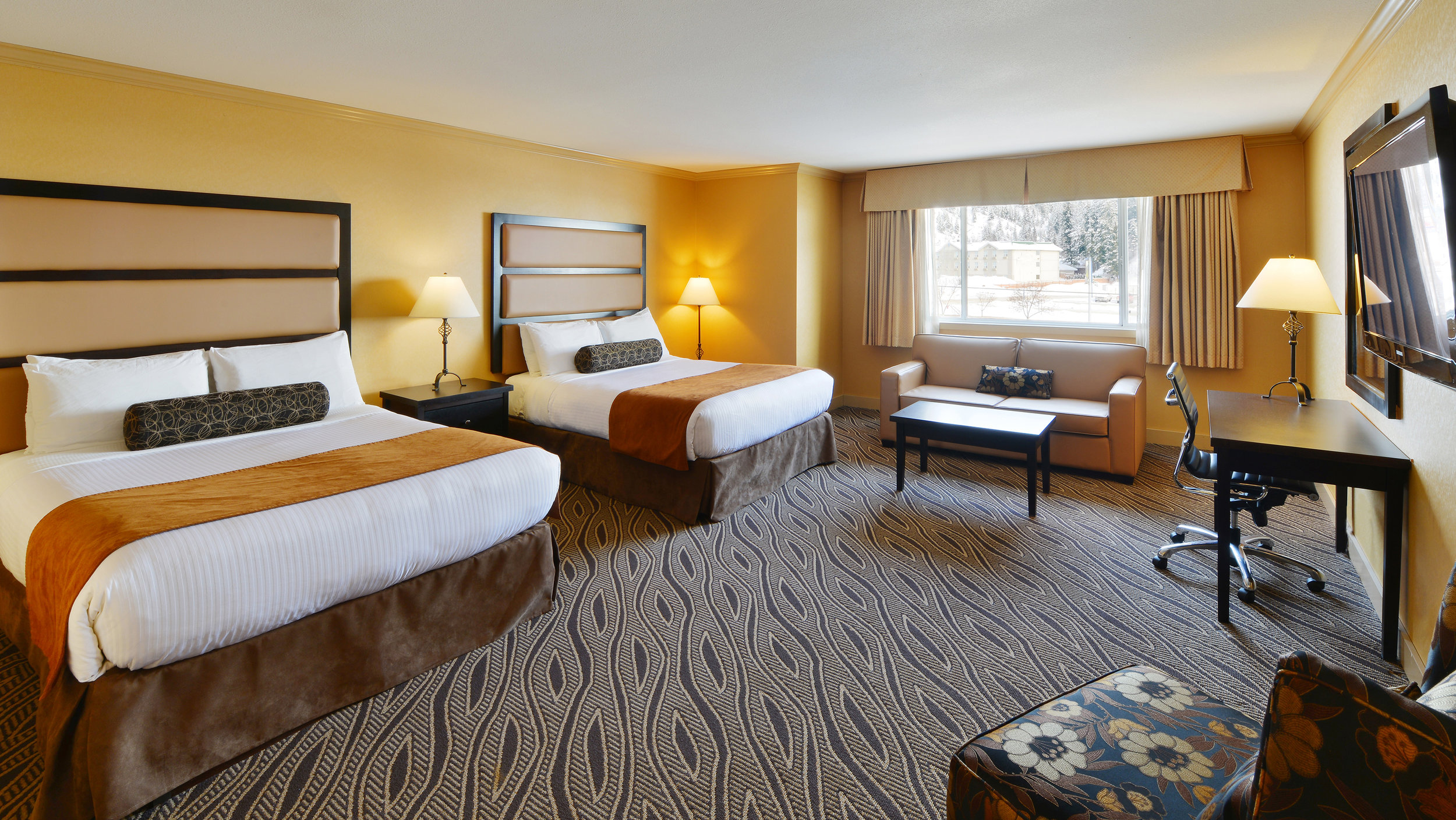 British Columbia ski tours Golden hotel