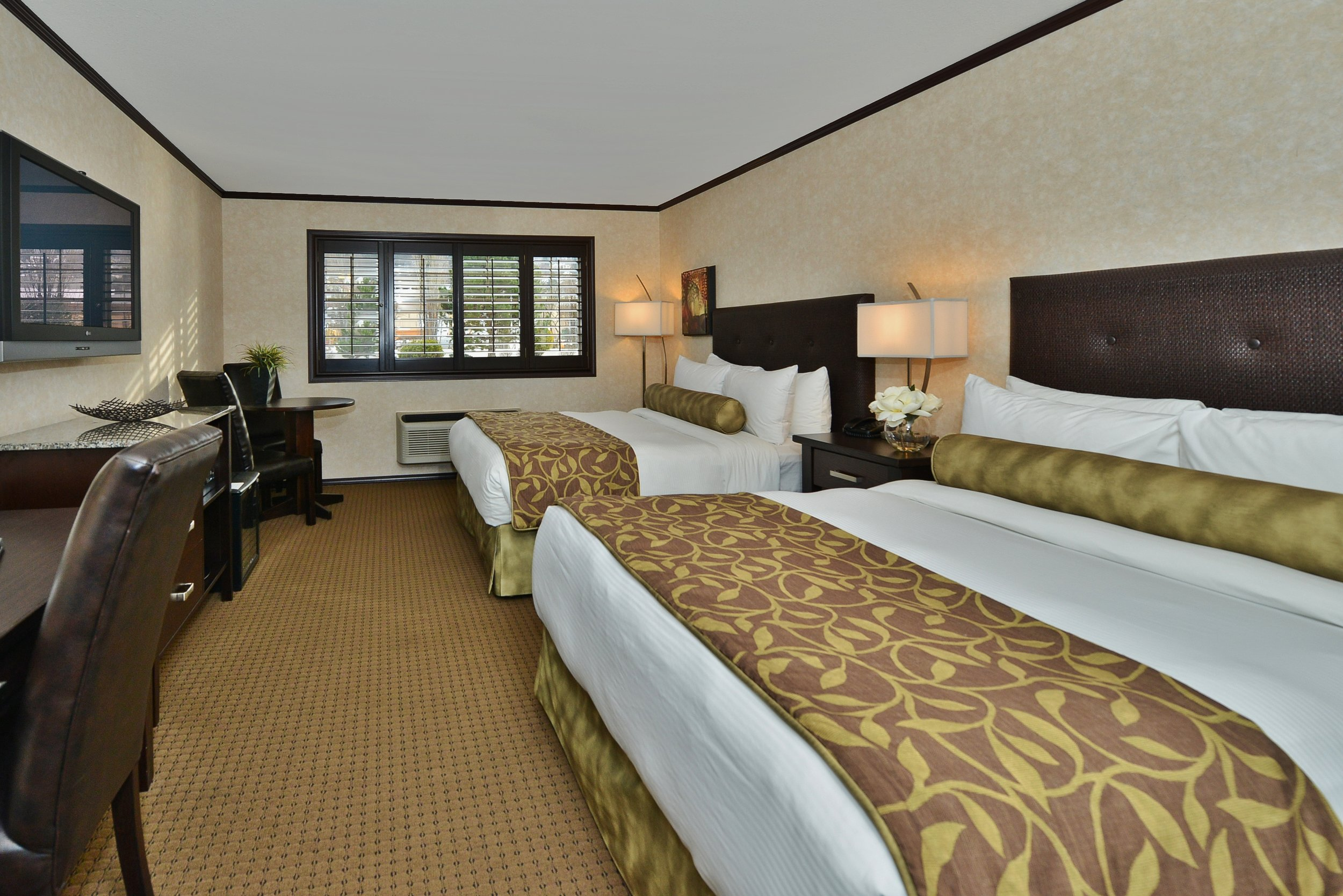 Hotel on British Columbia ski tours.