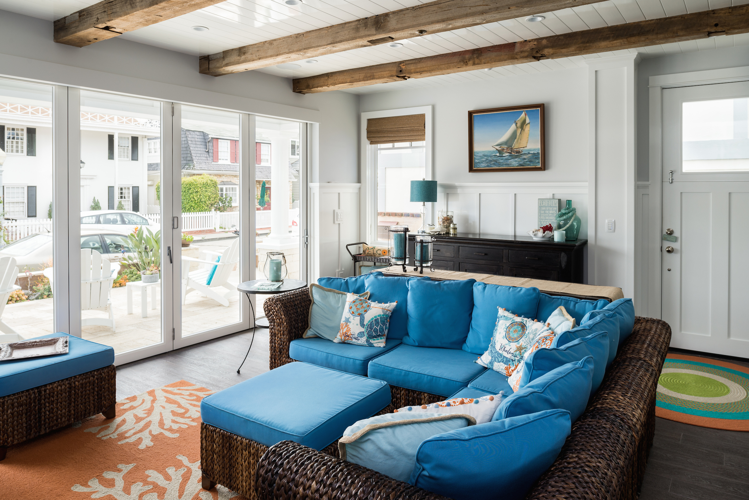 Newport-Beach-Home-Transitional-Living-Room.jpg