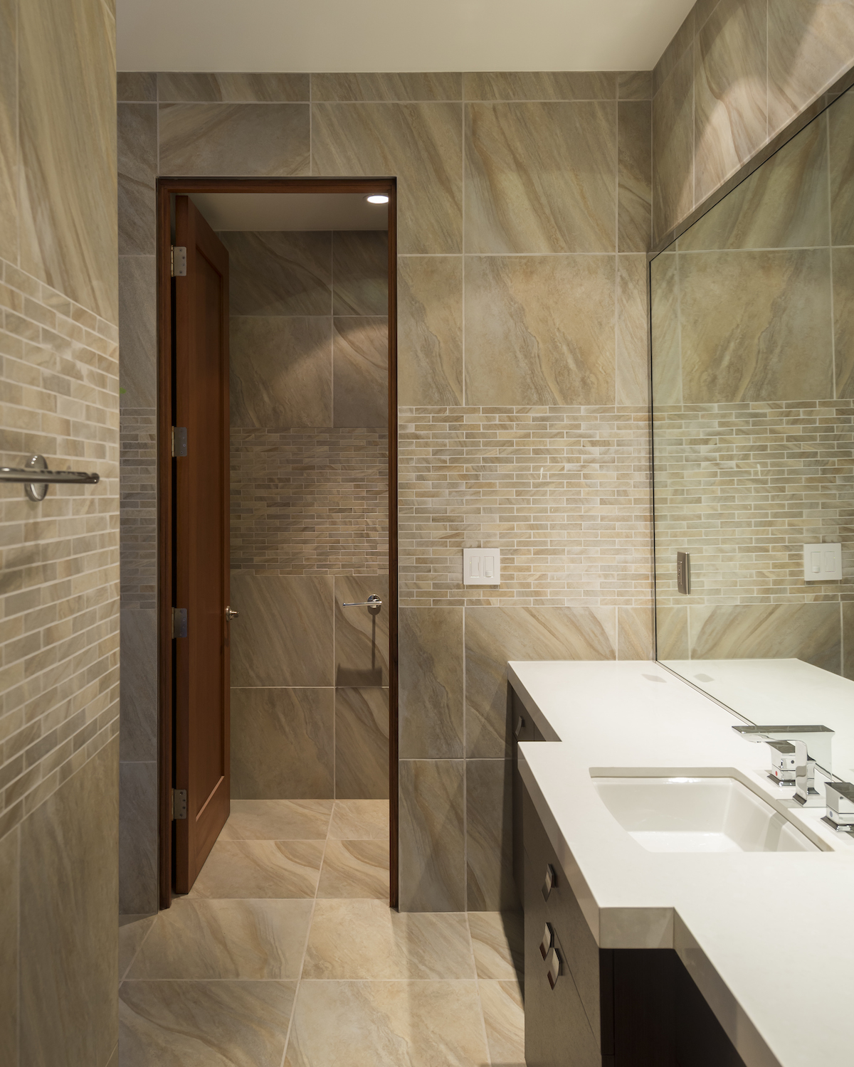 Laguna-Beach-Home-Modern-Master-Bathroom.JPG