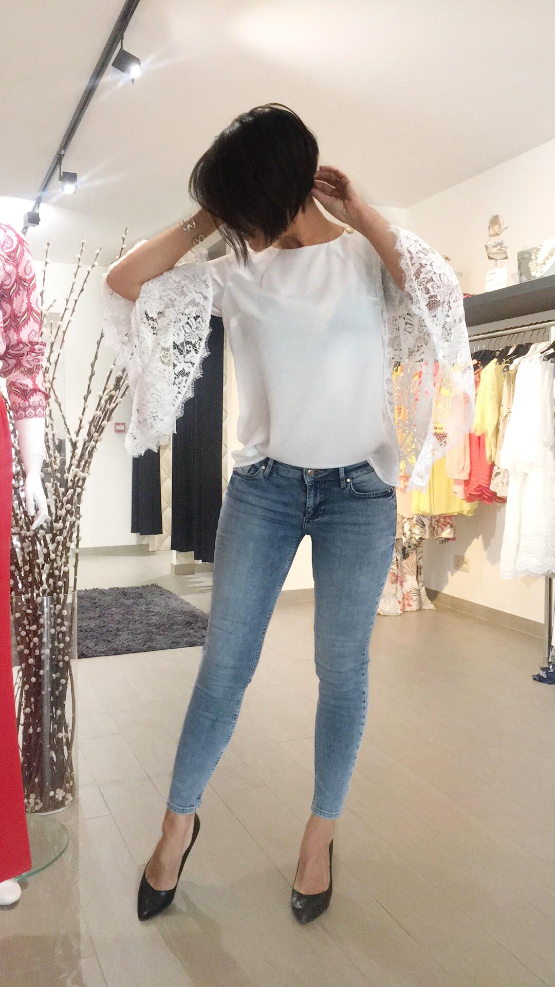 White lace 2.JPG