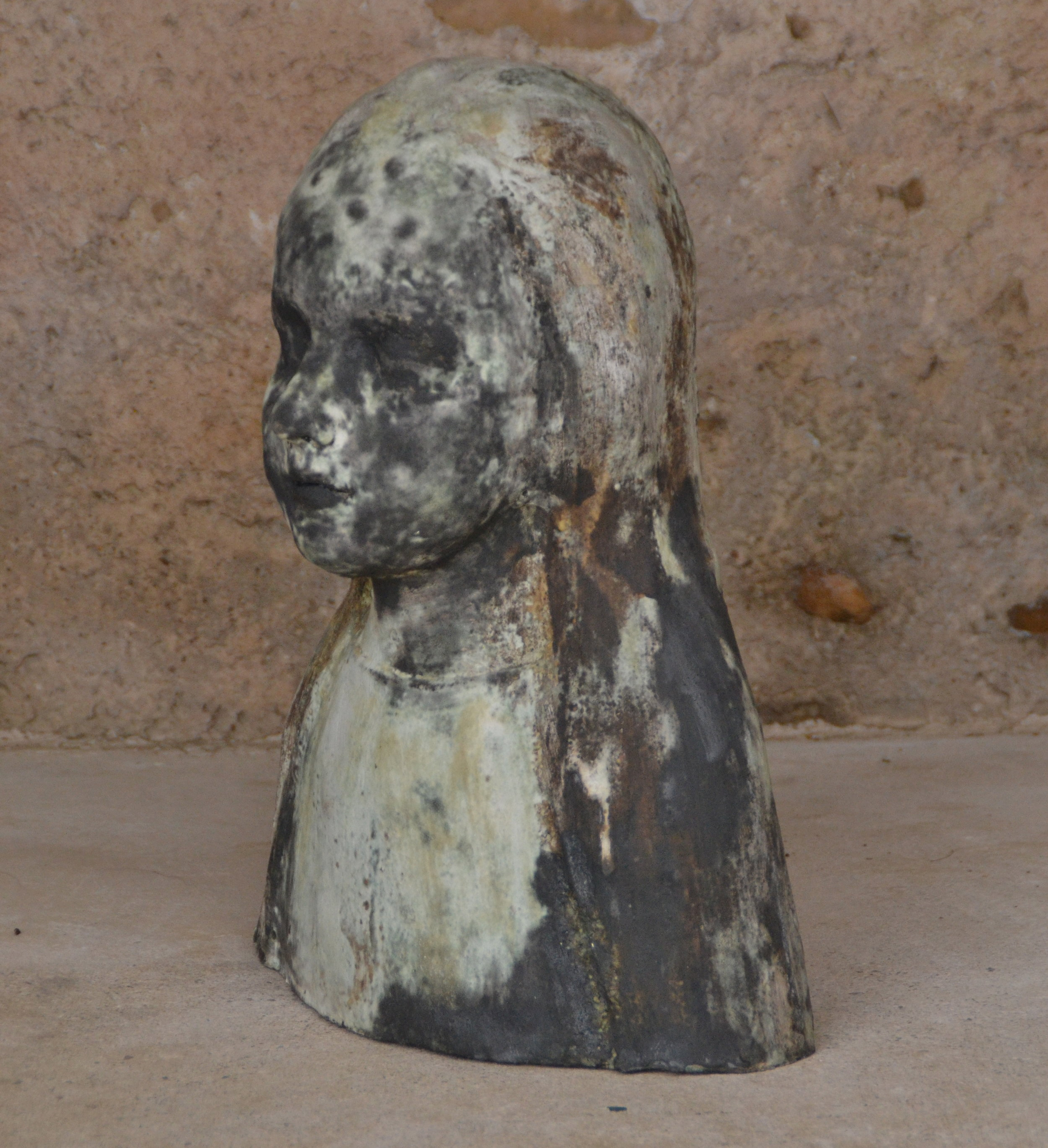 Les revenants ii | 2013 glazed ceramic | height: 42cm