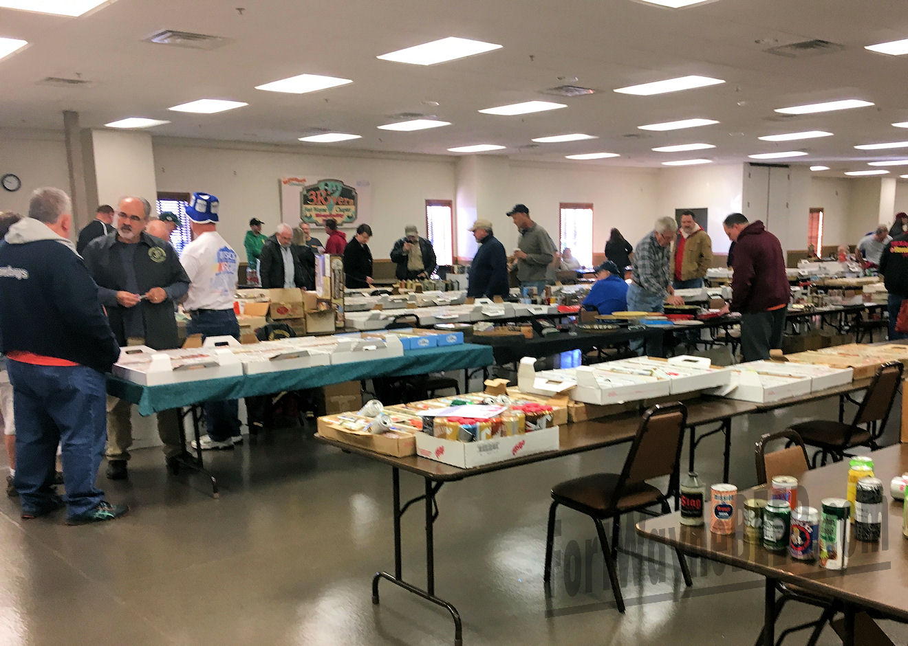 2016 Fort Wayne Brewery Collectibles Show10.JPG