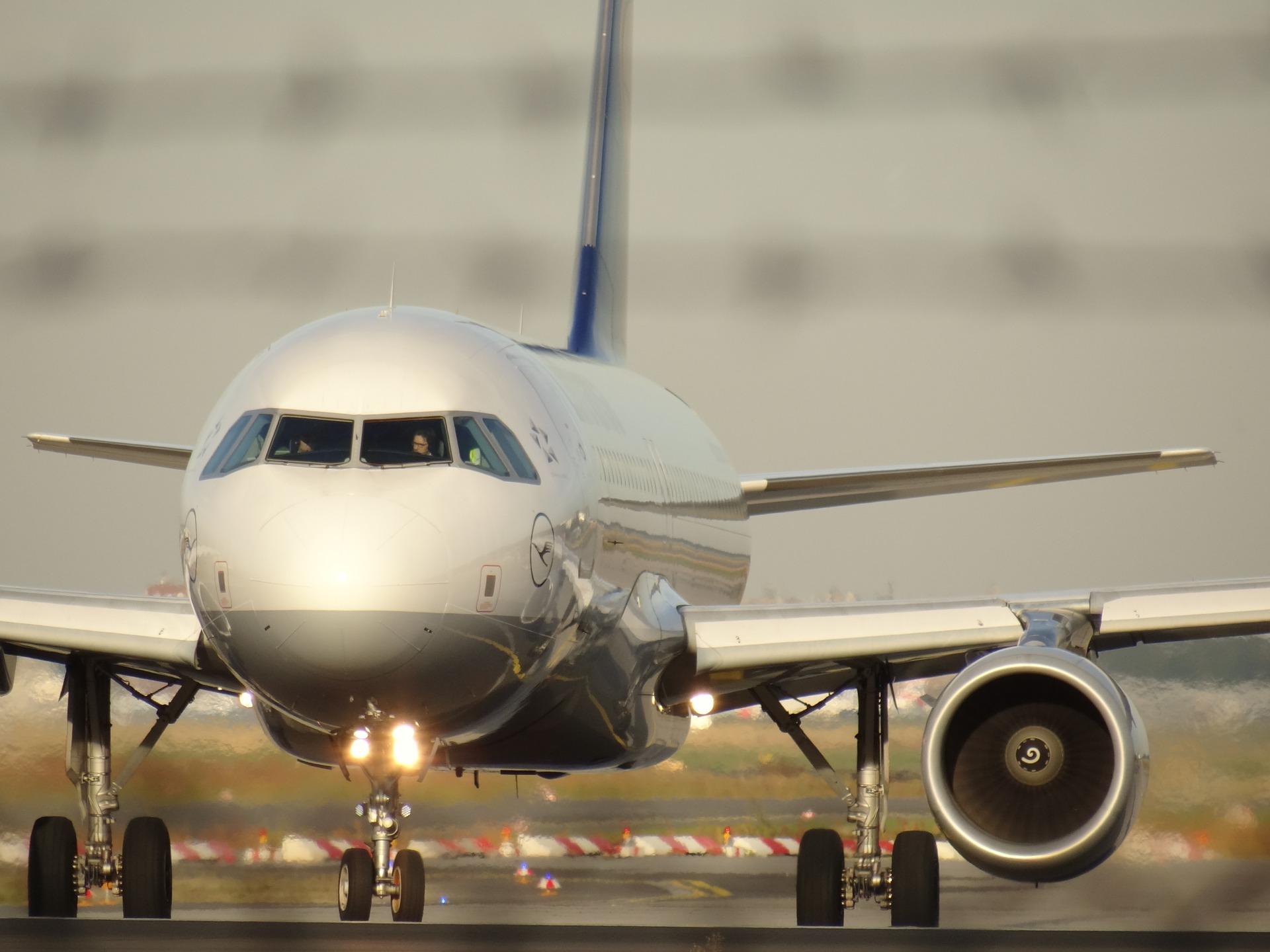 aircraft-1023968_1920.jpg