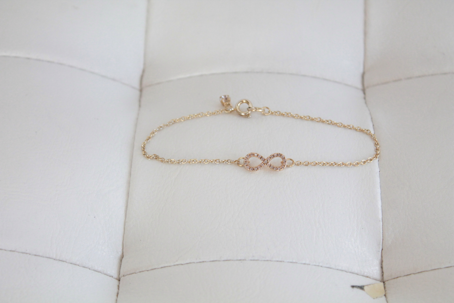 The infamous Sophie Harper Infinity Bracelet that inspired the whole set.