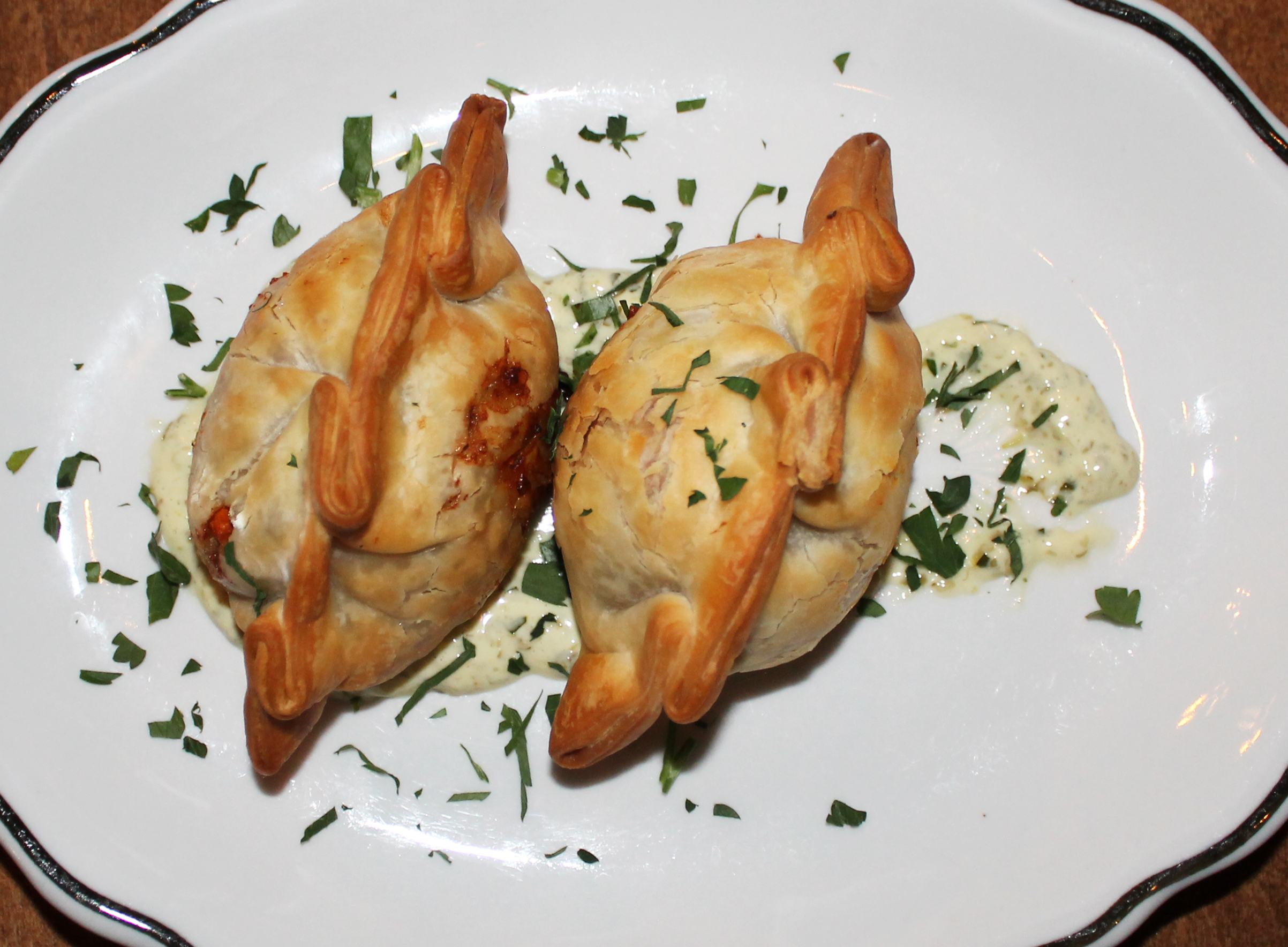 Empanadas Del Dia:baked in house, served in pairs