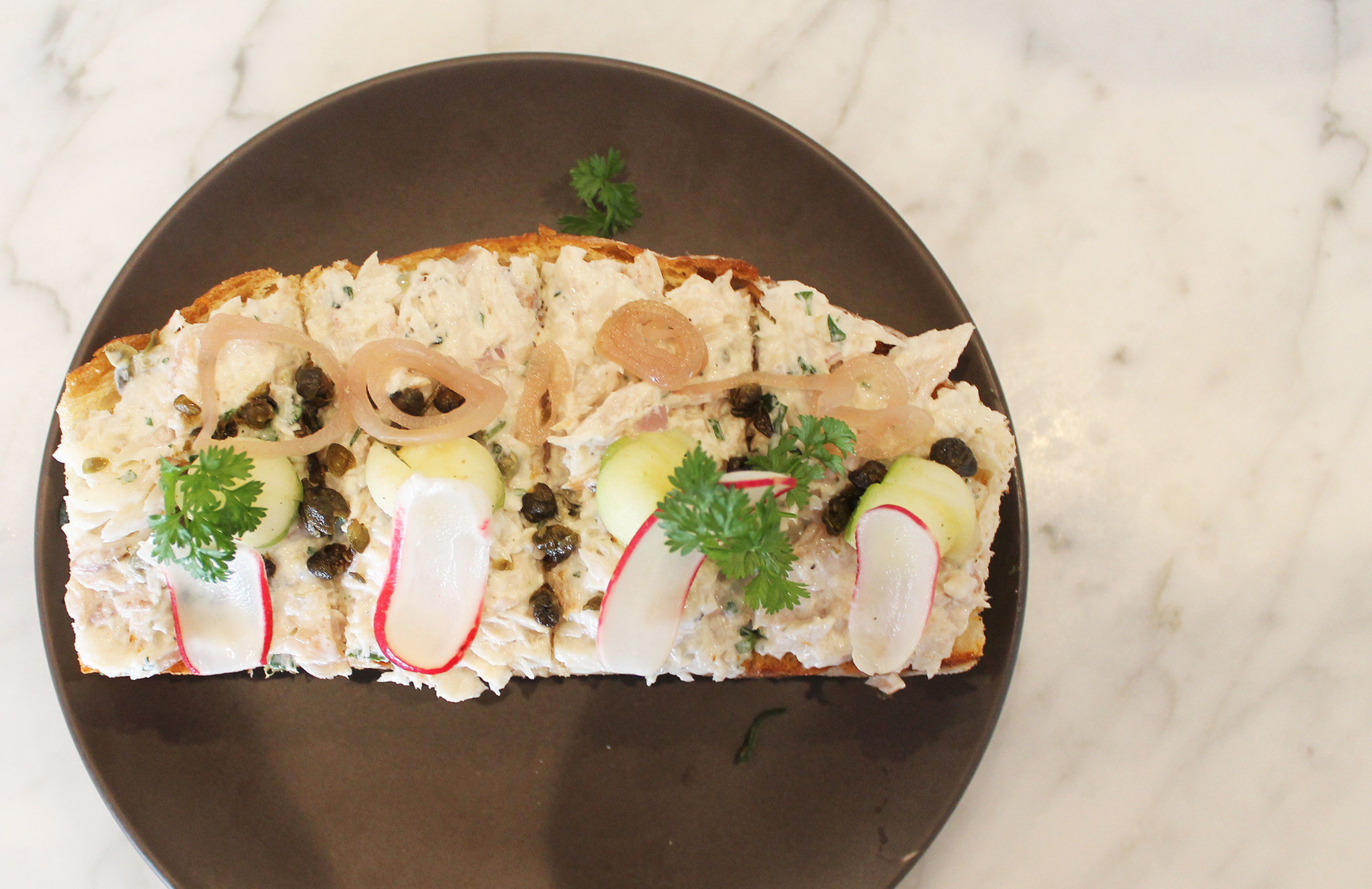 Smoked Whitefish Toast: Pickled shallots, apple, fried capers