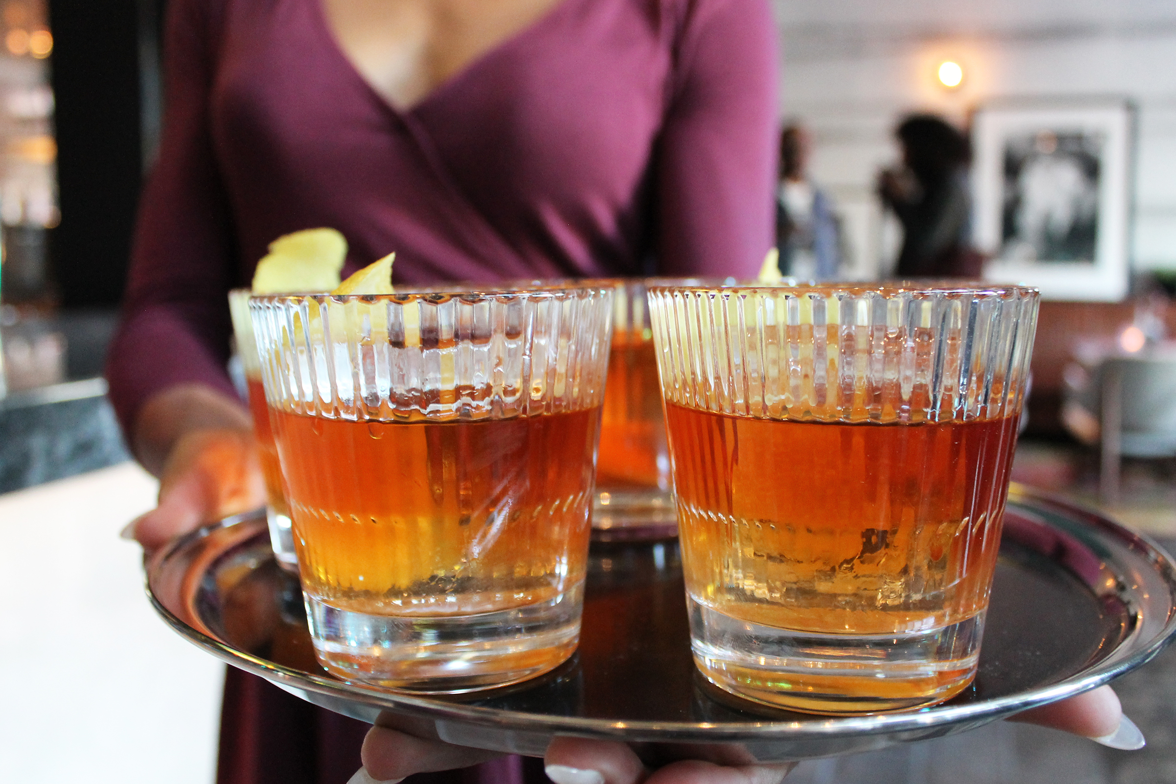 Gentleman Dean:Knob Creek Rye, orange curacao, angostura bitters