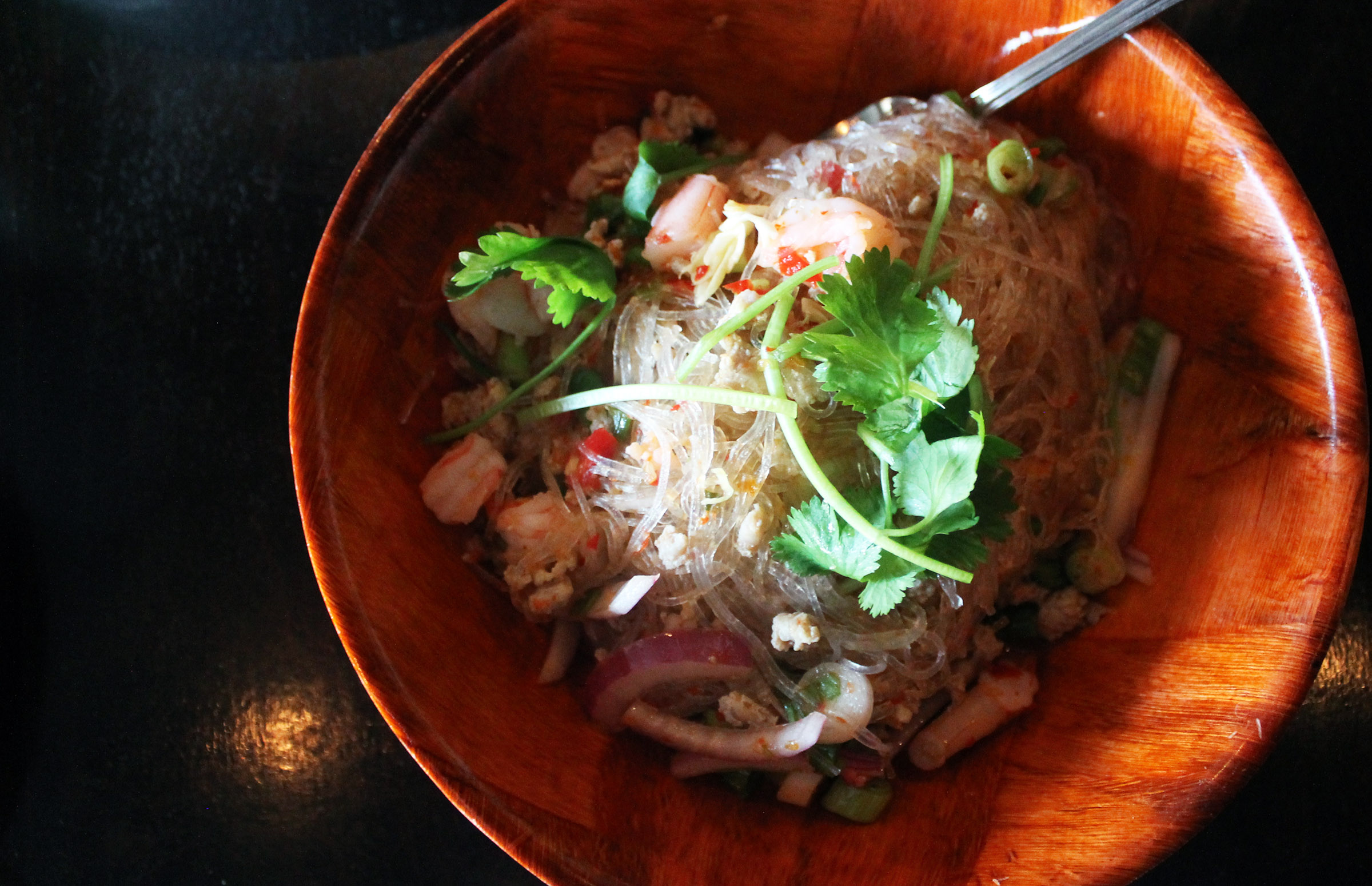 KUAYTIAW Tom Yum   Hot and Sour Noodle :shrimp, ground chicken, shrimp ball, bean sprouts, scallions, cilantro and crushed peanuts
