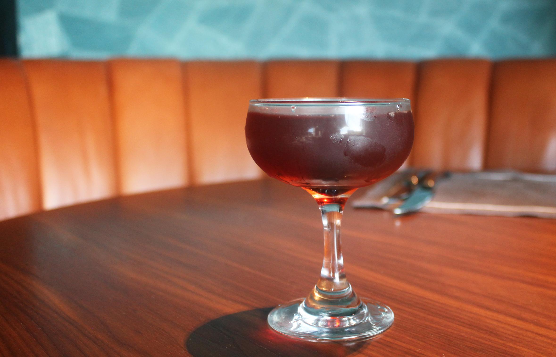BOURBON MANHATTAN:Builleit Bourbon, Carpano Antica, bitters