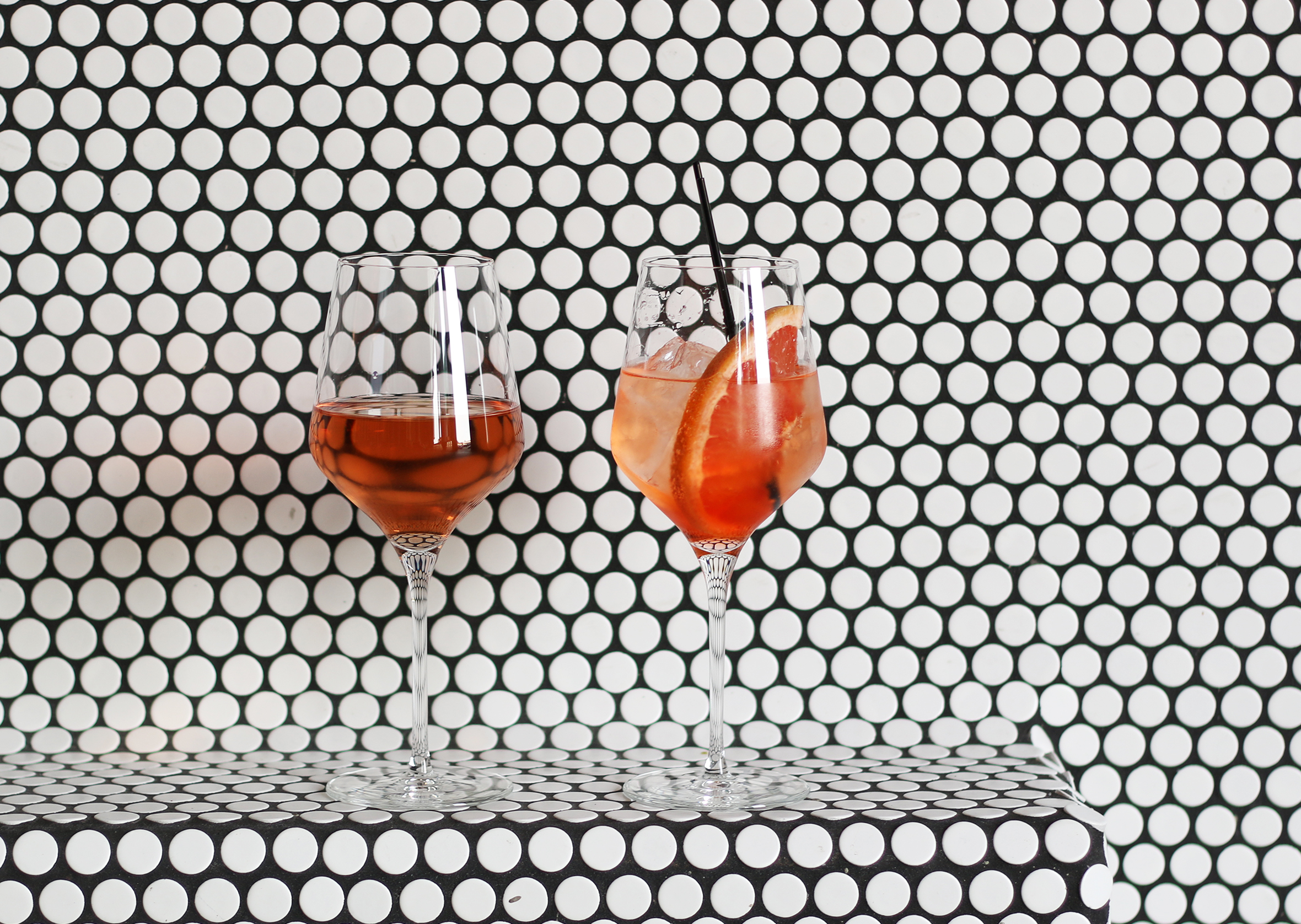 Rosé and a Sunset Spritz : Aperol, Pamplemousse, Sparkling Wine, Soda Water