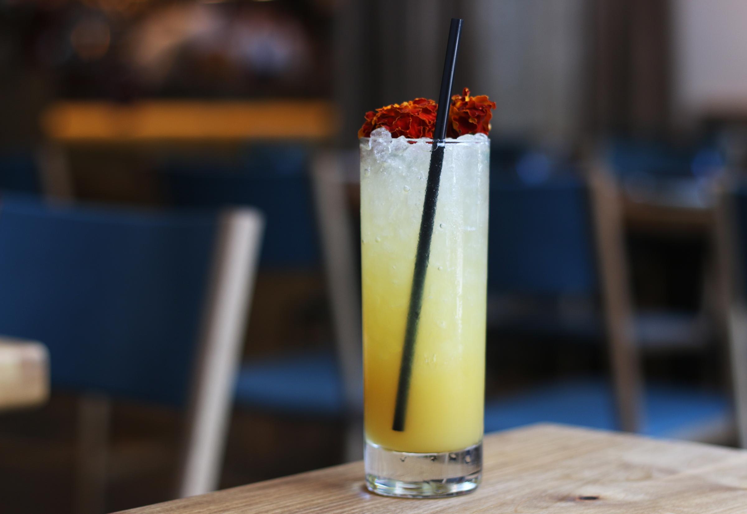 Maracuya Bebida:passionfruit, thyme, lemon, pineapple, ginger