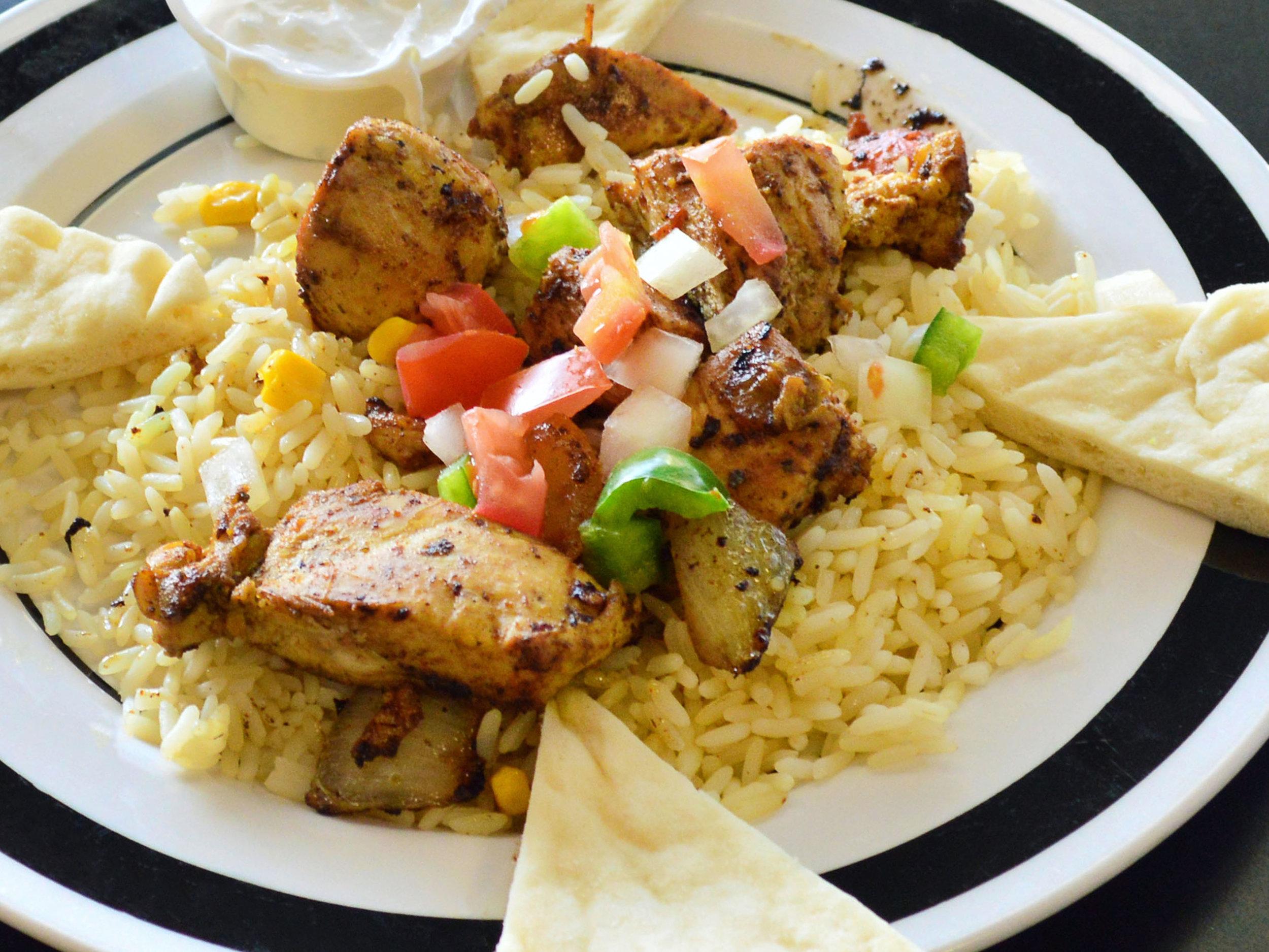 LucieMonroe'sMediterraneanCafe_ChickenShawarma_3_option2.jpg