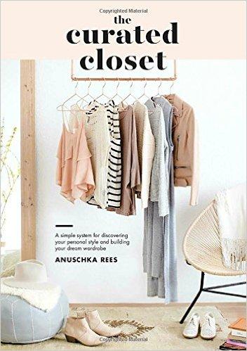Minimalism-books-the-curated-closet