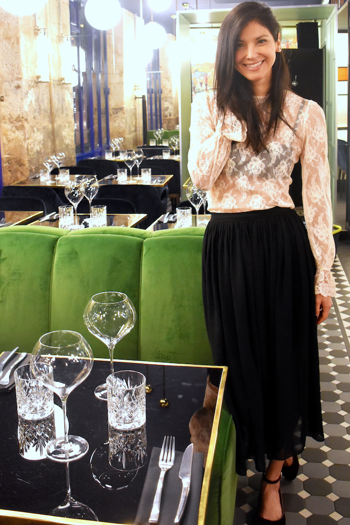 Vintage lace top and skirt for a night out // A Week Of Vegan Outfits With Christina Pippin Of finny + dill