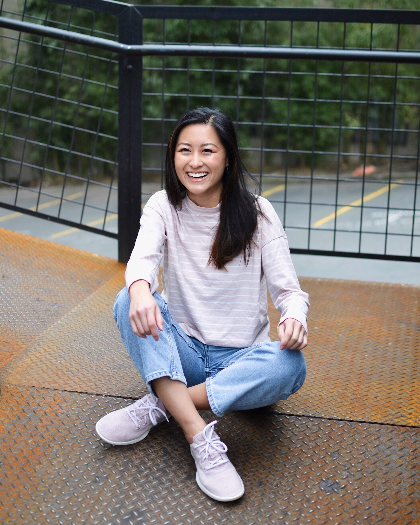 Everlane pink top and casual denim // A Week Of Empowered Outfits With Cat Chiang From Restitchstance on The Good Trade