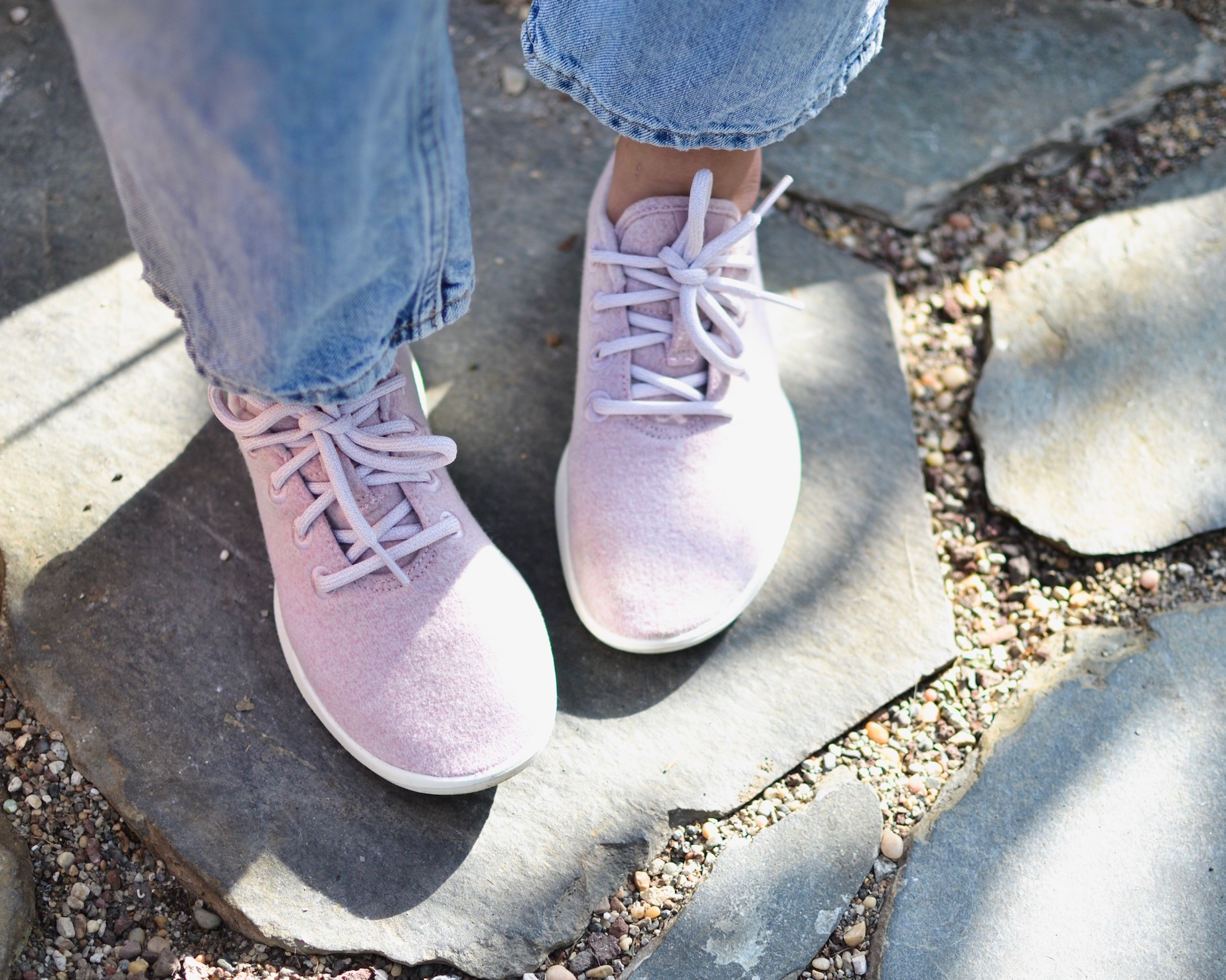 Allbirds natural pink sneakers // A Week Of Empowered Outfits With Cat Chiang From Restitchstance on The Good Trade