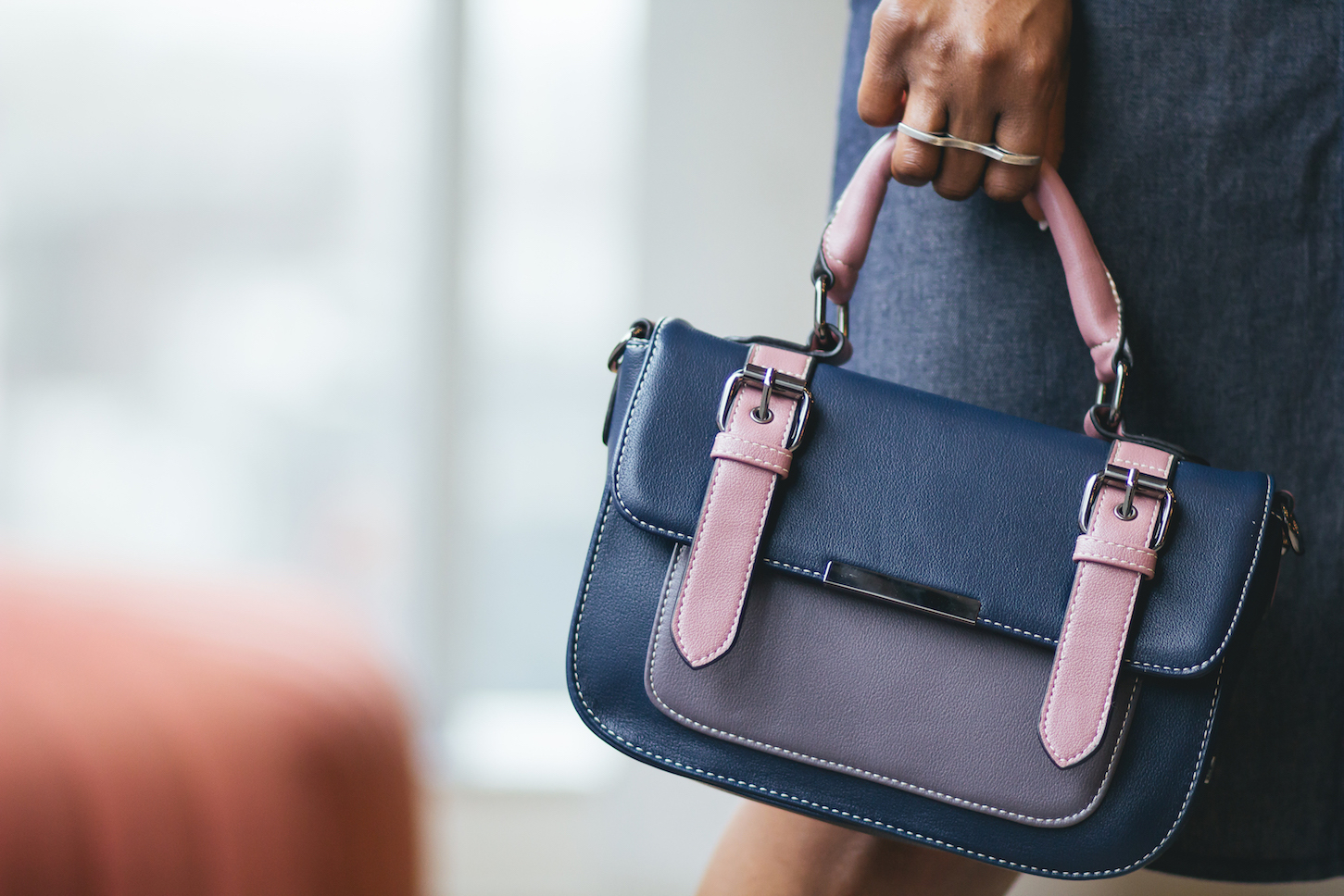 Cute pink and blue vegan handbag // Week Of Outfits Series: A Week Of Well-Crafted & Beautiful Outfits With Kathleen Elie, Founder Of Conscious & Chic on The Good Trade