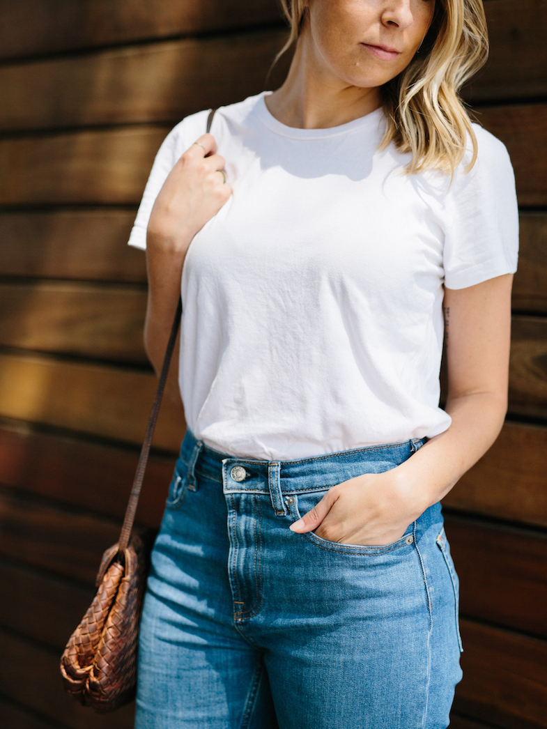 Casual summer jeans and a tee look // A Week Of Summertime Minimalist Outfits With Ava Darnell, Founder Of Slumlove Sweater Company on The Good Trade