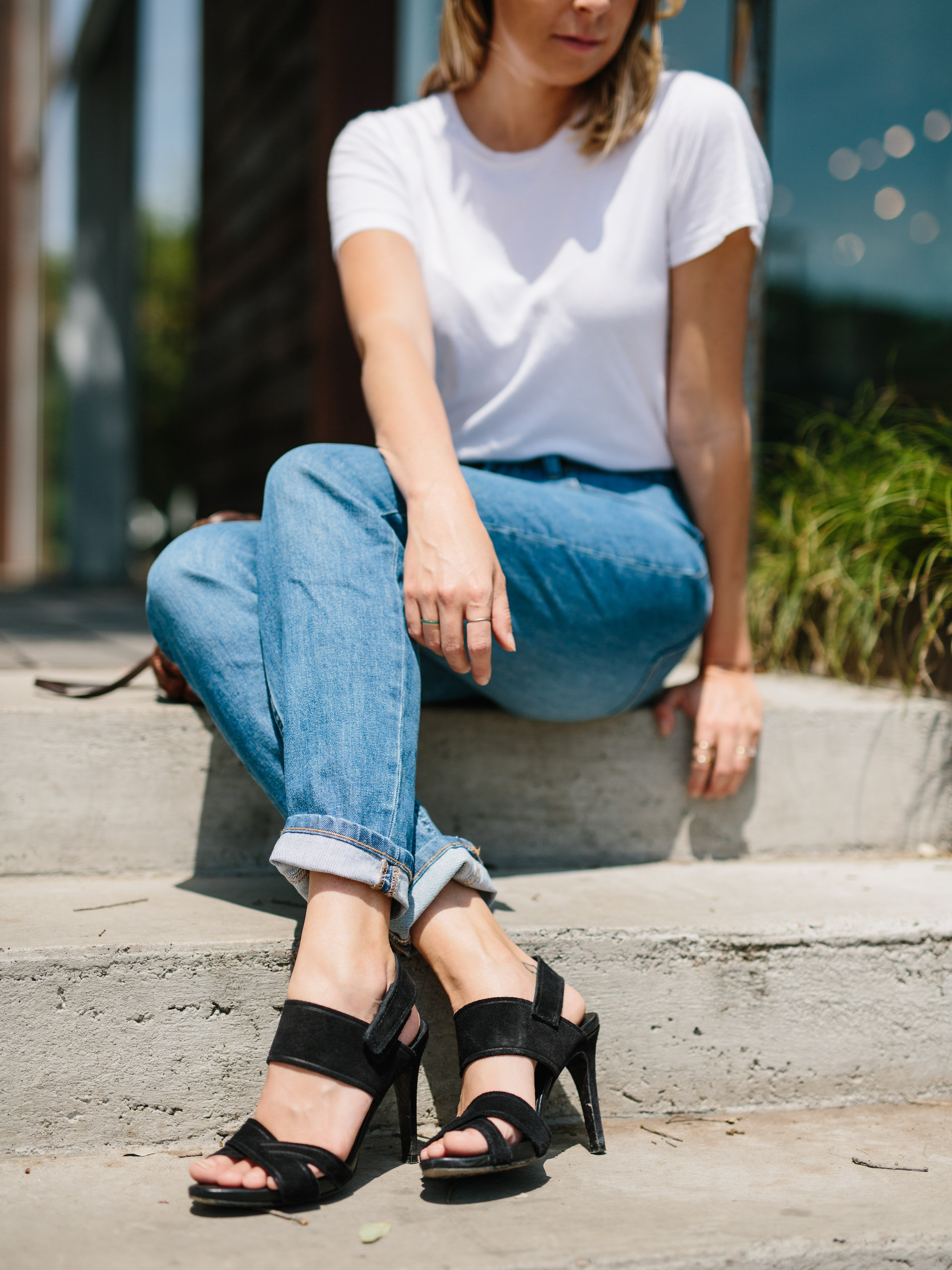 Minimalist outfit with black high heels // A Week Of Summertime Minimalist Outfits With Ava Darnell, Founder Of Slumlove Sweater Company on The Good Trade