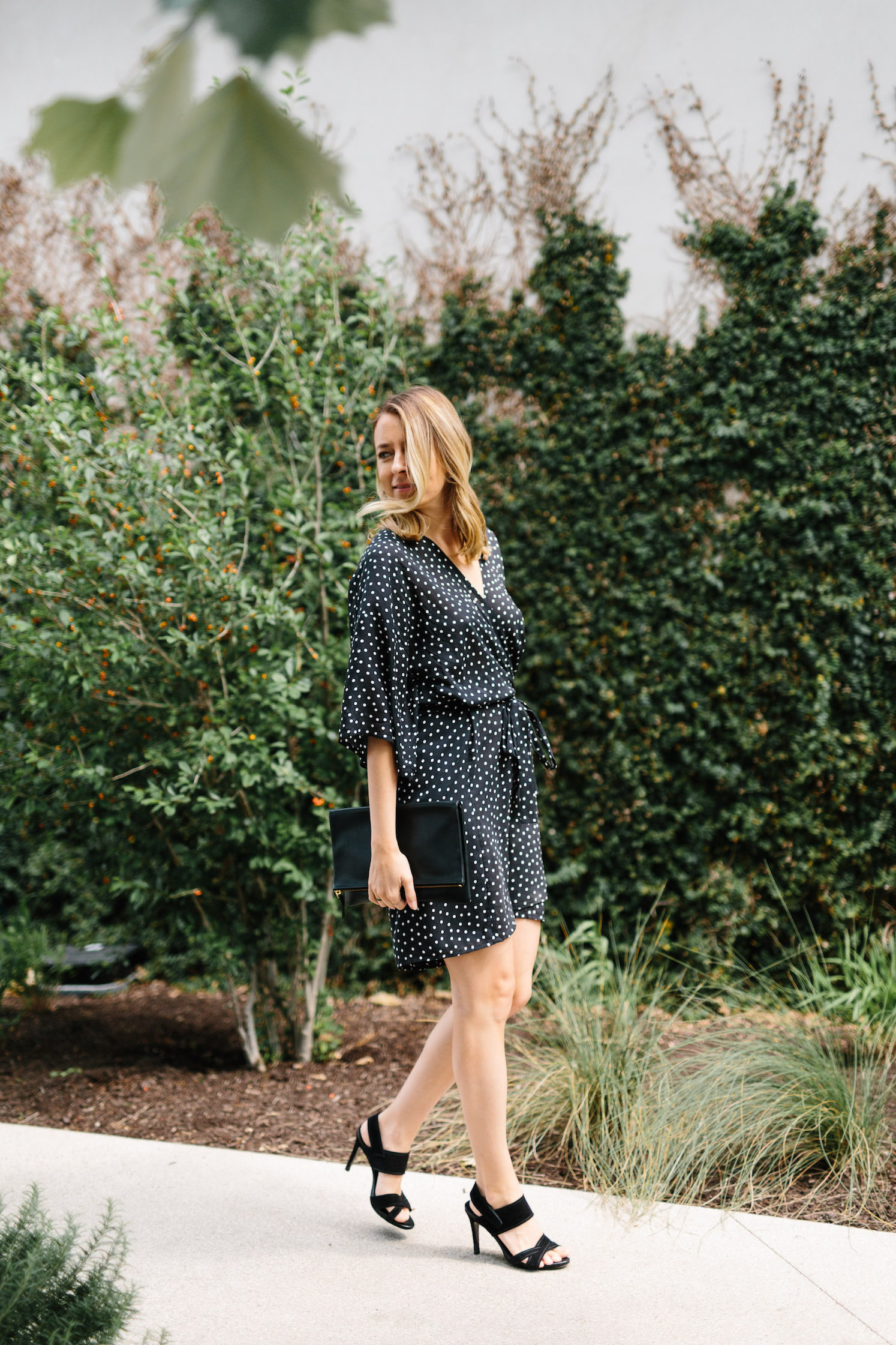 Summer date night outfit - polka dot dress // A Week Of Summertime Minimalist Outfits With Ava Darnell, Founder Of Slumlove Sweater Company on The Good Trade