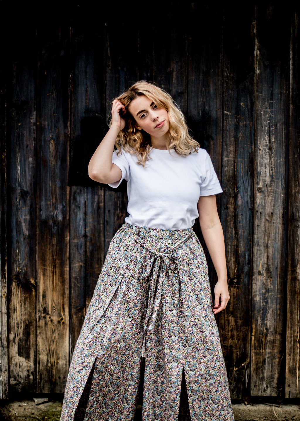 Oversize floral trousers // A Week Of Vibrant & Global Outfits With Francesca Willow From Ethical Unicorn on The Good Trade