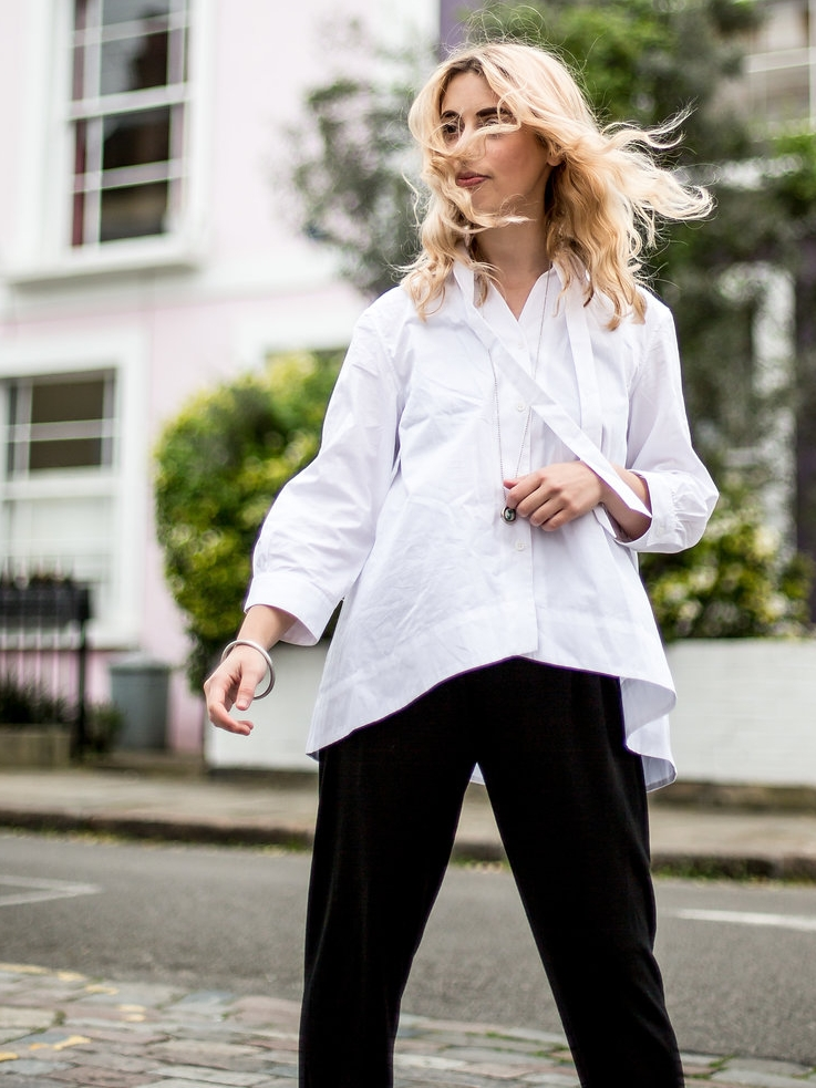Minimalist Sunday brunch outfit // A Week Of Vibrant & Global Outfits With Francesca Willow From Ethical Unicorn on The Good Trade