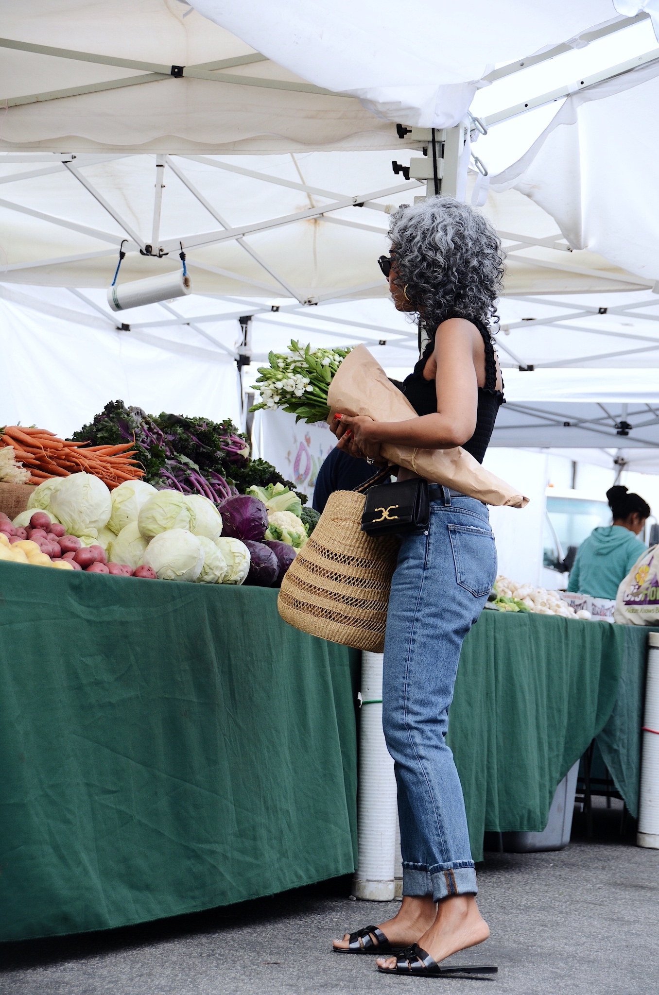 Minimalist farmer's market outfit // A Week Of Sophisticated Slow Fashion Outfits With Tennille Murphy From The Tennille Life on The Good Trade