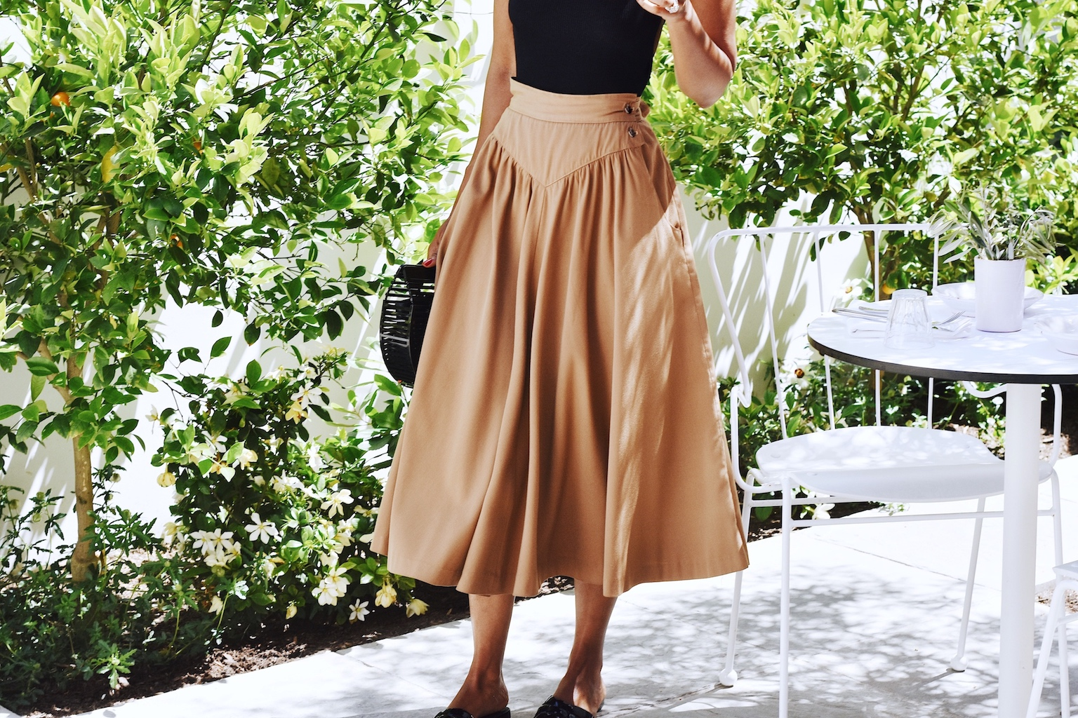 Simple summer outfit with vintage skirt // A Week Of Sophisticated Slow Fashion Outfits With Tennille Murphy From The Tennille Life on The Good Trade