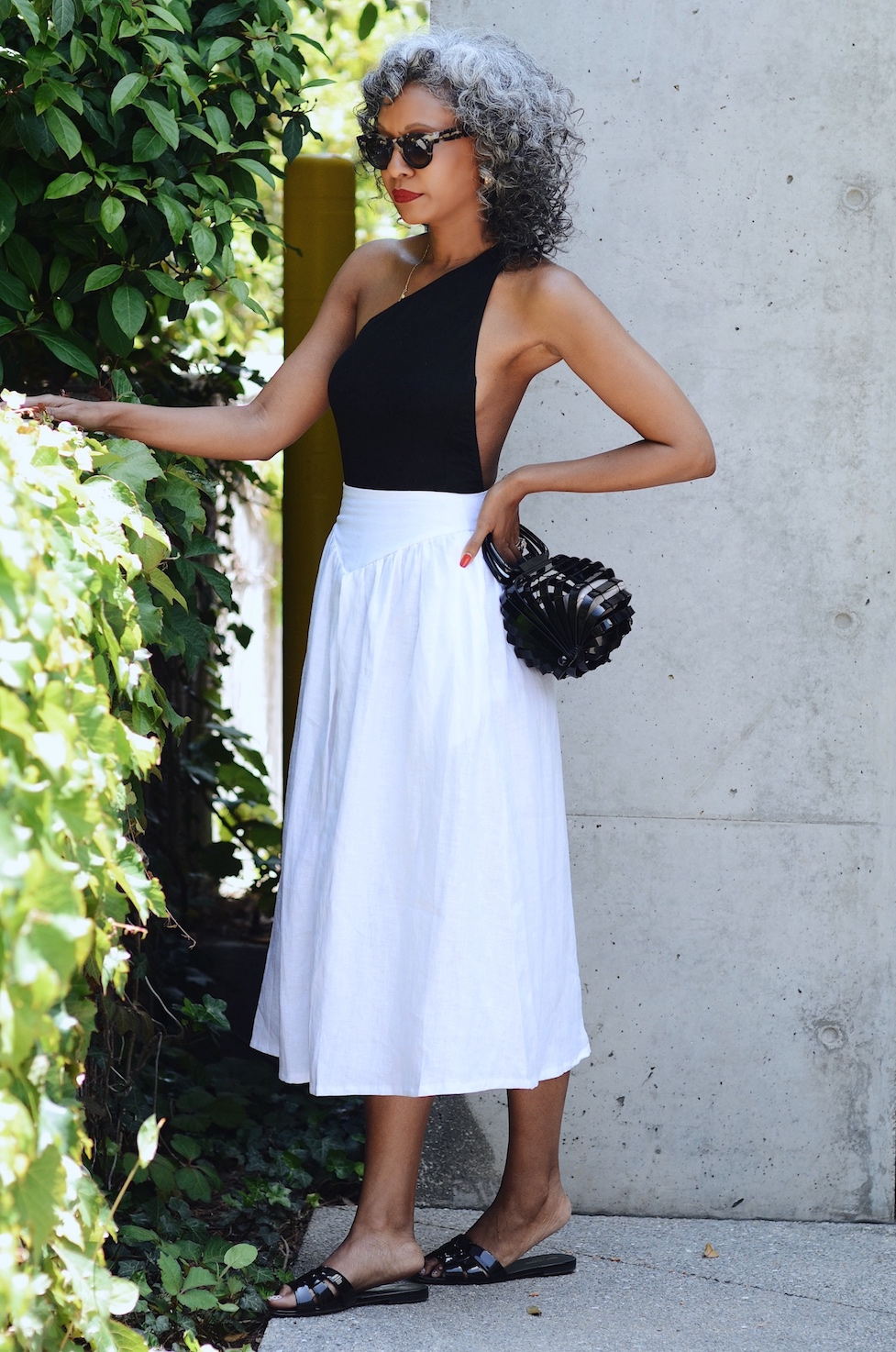 Posse sustainable fashion high-waisted white linen skirt  // A Week Of Sophisticated Slow Fashion Outfits With Tennille Murphy From The Tennille Life on The Good Trade